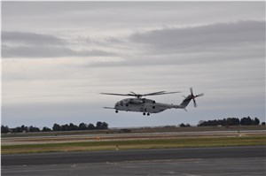NAVAIR hosts 1st orientation flight in a CH-53K King Stallion